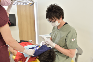 歯を残す治療を行います